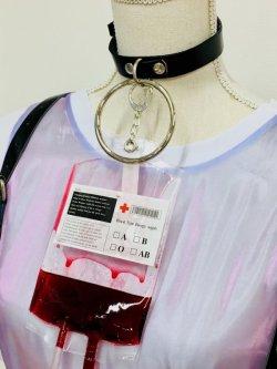 画像1: 血液バッグ チョーカー (O-リング 本革チョーカー)  ナースコスプレ、メンヘラ、原宿系