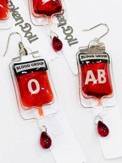 画像4: 輸血バッグピアス(イヤリング) 片耳用  ナースコスプレ、病みかわいい、メンヘラ